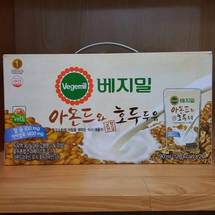 Sữa Hạnh Nhân Óc Chó Vegemil Hàn Quốc Thùng 20 Túi 190ml